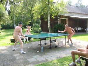 Tischtennis mit Personen